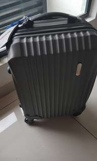 SALE-BRAND NEW SPACIOUS!Luggage Cabin Bag 20 Inches with a number lock ! Original Price 650 MYR!3 Units Left