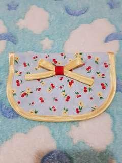 Customised bib collar set