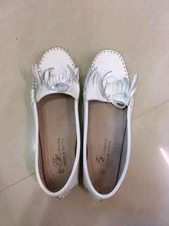 🚚 FM軟膠舒適小白鞋