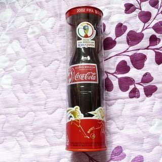 可口可樂02年韓國FIFA World Cup紀念版一枝(樽筒有破損)