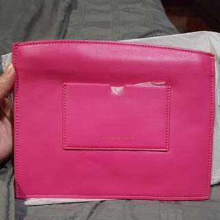 Charles & Keith Clutch (Hot Pink 💟)