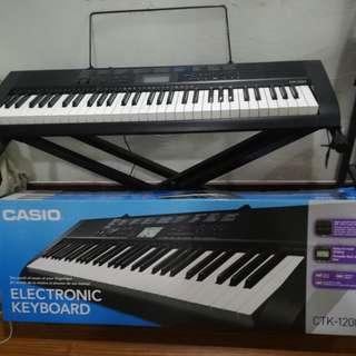 Keyboard piano casio CTK-1200