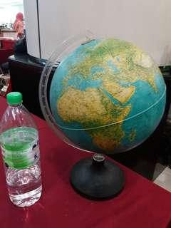 Retro italy globe..