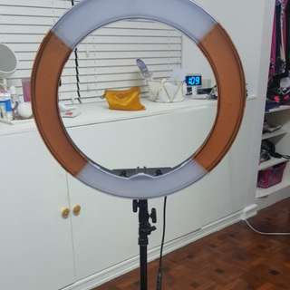 GREAT CONDITION! RING LIGHT FOR SALE