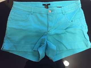 H&M湖水綠短褲