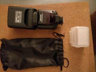 Neewer DSLR Camera flash light (NW-670)