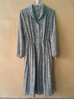 vintage long sleeved dress
