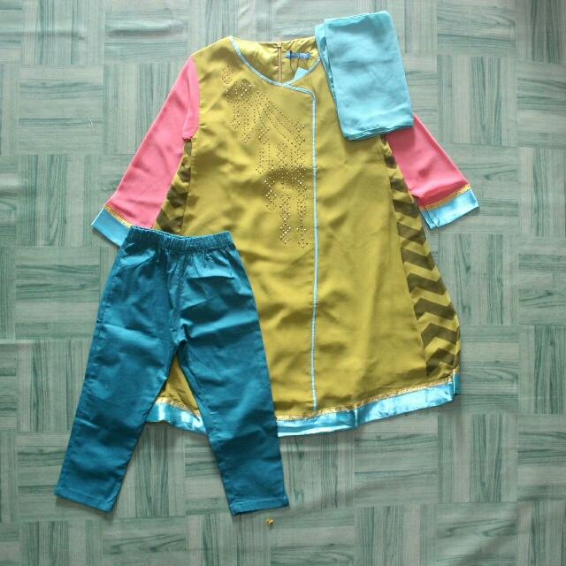 Baju Anak Perempuan. photo photo .