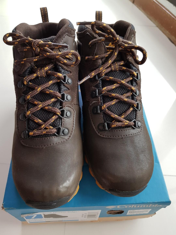 Columbia Youth Newton Ridge Waterproof Winter Snow Boots 9edf37b468