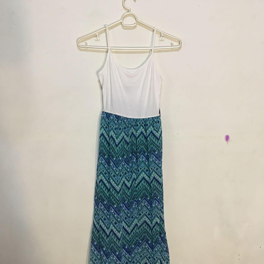 5be9e16ca Forever 21 Beach Maxi Dress (Boho Aztec) Long Dress, Women's Fashion,  Clothes, Dresses & Skirts on Carousell