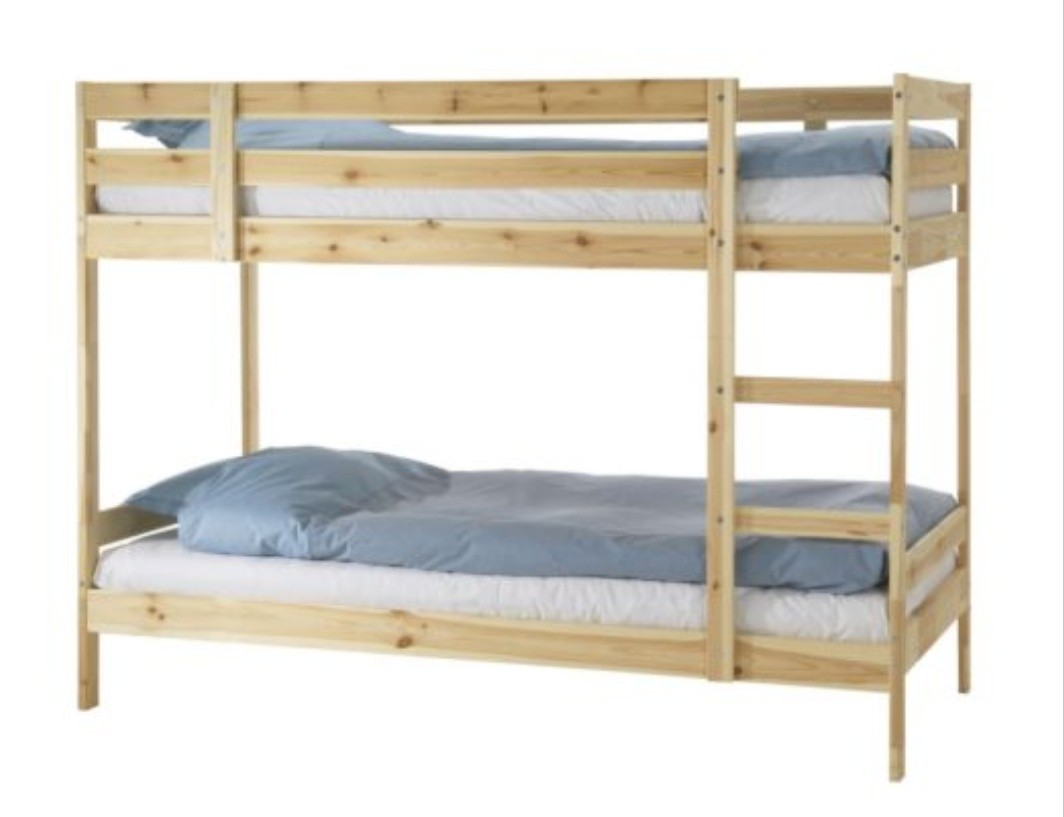 Picture of: Like New Double Deck Pine Wood Bed Frame For Sale Furniture Beds Mattresses On Carousell