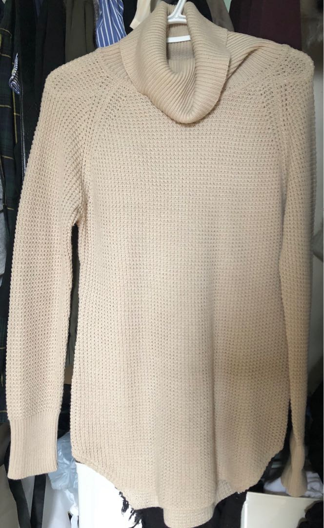 M Taupe Turtle Neck