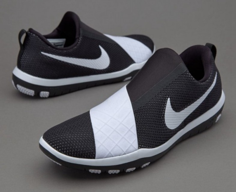 1f3a1e2eddc9 Nike free connect training shoes(black and white)