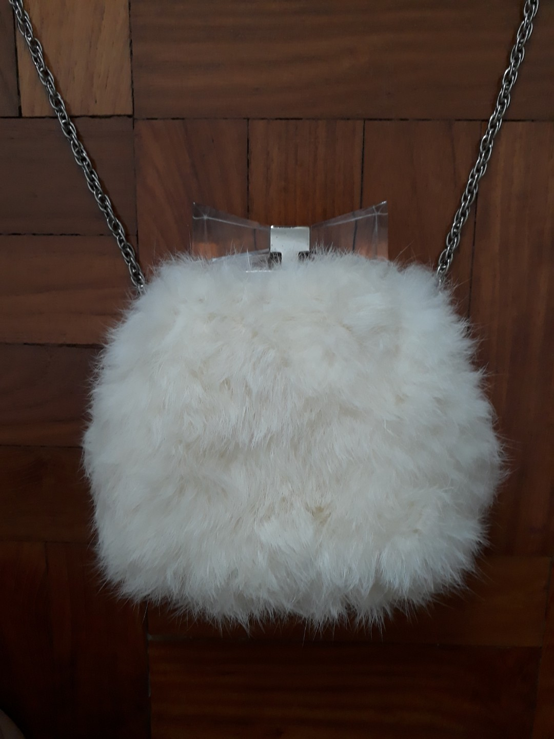 Pre-loved Authentic Anteprima Faux Fur Silver Chain Sling bag ... 3e3ae3d827