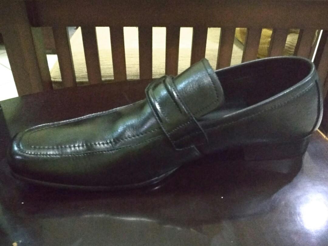 Sepatu Formal Cowo Pedro Size 43 e68af27ee5