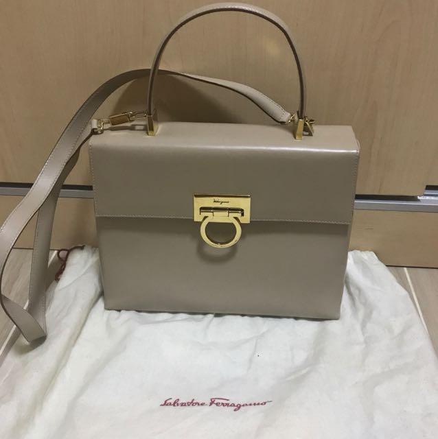 9de50d9c4b89 Super rare vintage Salvatore Ferragamo Kelly bag