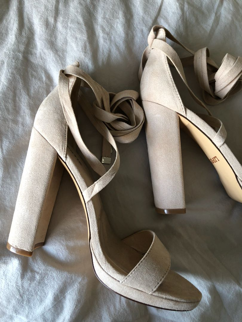 Windsor Smith ILYSSA NOUGAT SUEDE heel