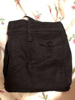 Uniqlo黑色牛仔褲