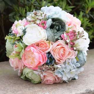 Artistry Greek painting look bridal bouquet