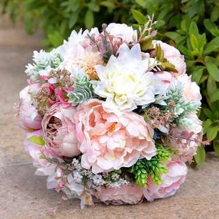 Europe trendy flowery bridal bouquet