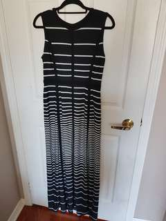 Long Dress Size 4 (can fit size 6)