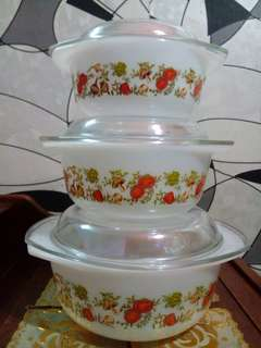 OFFER!! PYREX CASSEROLE BOWL