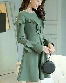 Long sleeve puff dress