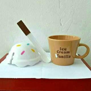 Cangkir Ice Cream