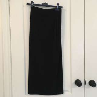 Maxi skirt with side slit (S)