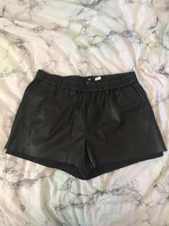 h&m faux leather shorts size s