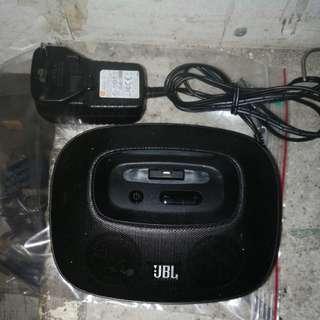 大量供應 JBL OnBeat Micro便攜充電喇叭 (iPhone 專用) 附有原裝充電器 每套$80元 保證真貨 相片有乜就有乜,詳情請看下面介紹