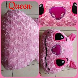 Bantal pala Stitch pink