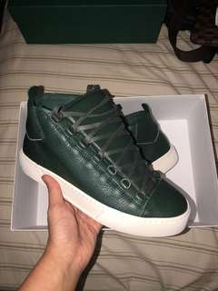 Balenciaga arena sneakers size 9 fits size 9.5-10. Only $600!!!