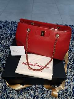 Authentic Salvatore Ferragamo Melike 29cm