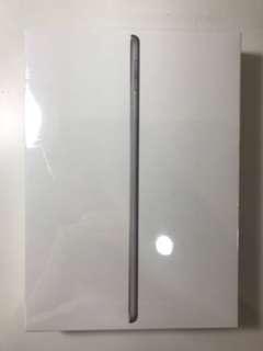 🚚 Apple iPad 32GB space gray