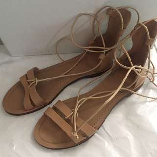 Pull and bear leather sandals