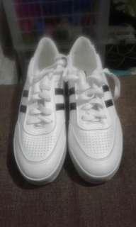Korean white sneaker (Adidas inspired)
