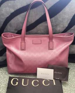 Authentic Gucci Supreme Canvas Tote with trimmed leather in Pink