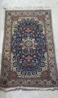 Persian Design Hand-knotted Carpet