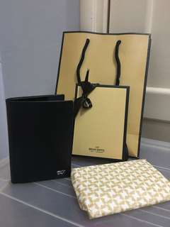 Braun buffel passport holder