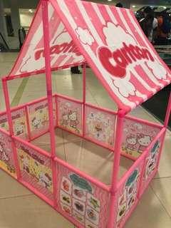 Sale?Hello Kitty Playtent with 50 ballspp
