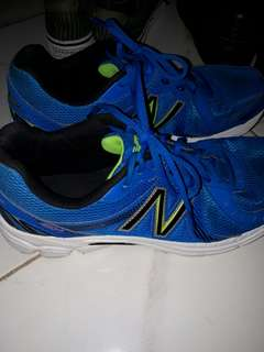 NEW BALANCE RUBBER SHOES