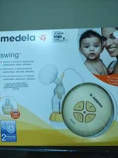 Medela Swing Breastpump + free gift