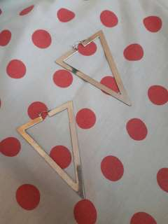 H&m triangle earrings