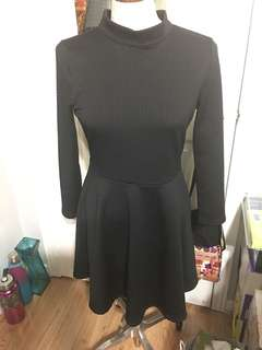 Free people size large in black color