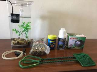 Great starter kit for children's first pet! - Almost good as NEW! As seen on TV - MY FUN FiSH TANK (with other tank accessories; net, oxygen tank, water conditioner, fish food and pebbles & decorations)