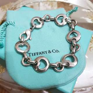 Authentic TIFFANY & CO Sterling Silver Heart Charm Bracelet - excellent condition very cheap!