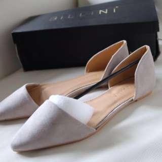 Reduced! Brand New Billini Flats size 5