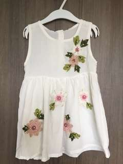 Girl embroidered flower white dress