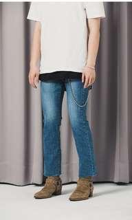 🚚 Symphony Korea collection 淺色直筒修身牛仔褲